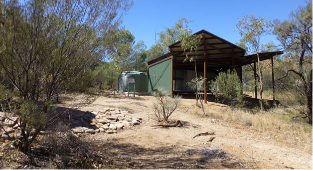Larapinta Trail shelter at Hugh Gorge