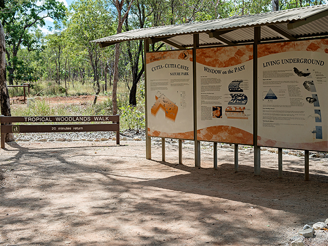 Cutta Cutta Caves Nature Park - Information signs